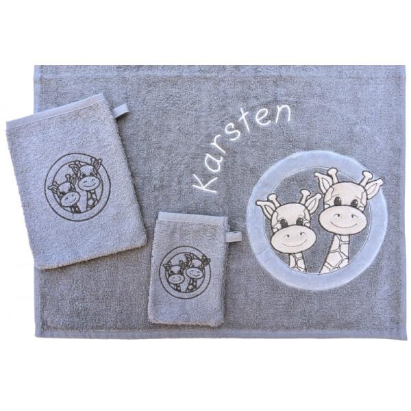 Handdoek met naam - Little Triki's grijs